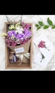 Baby breaths w rose bouquet set