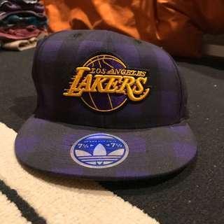 Topi Lakers