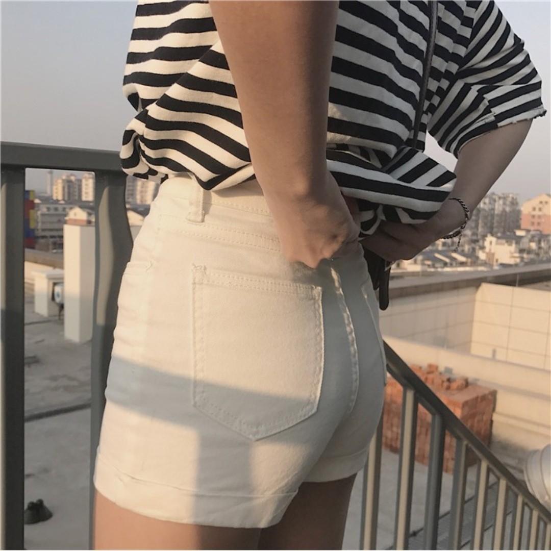 白色短褲 反折褲 Q彈鬆緊