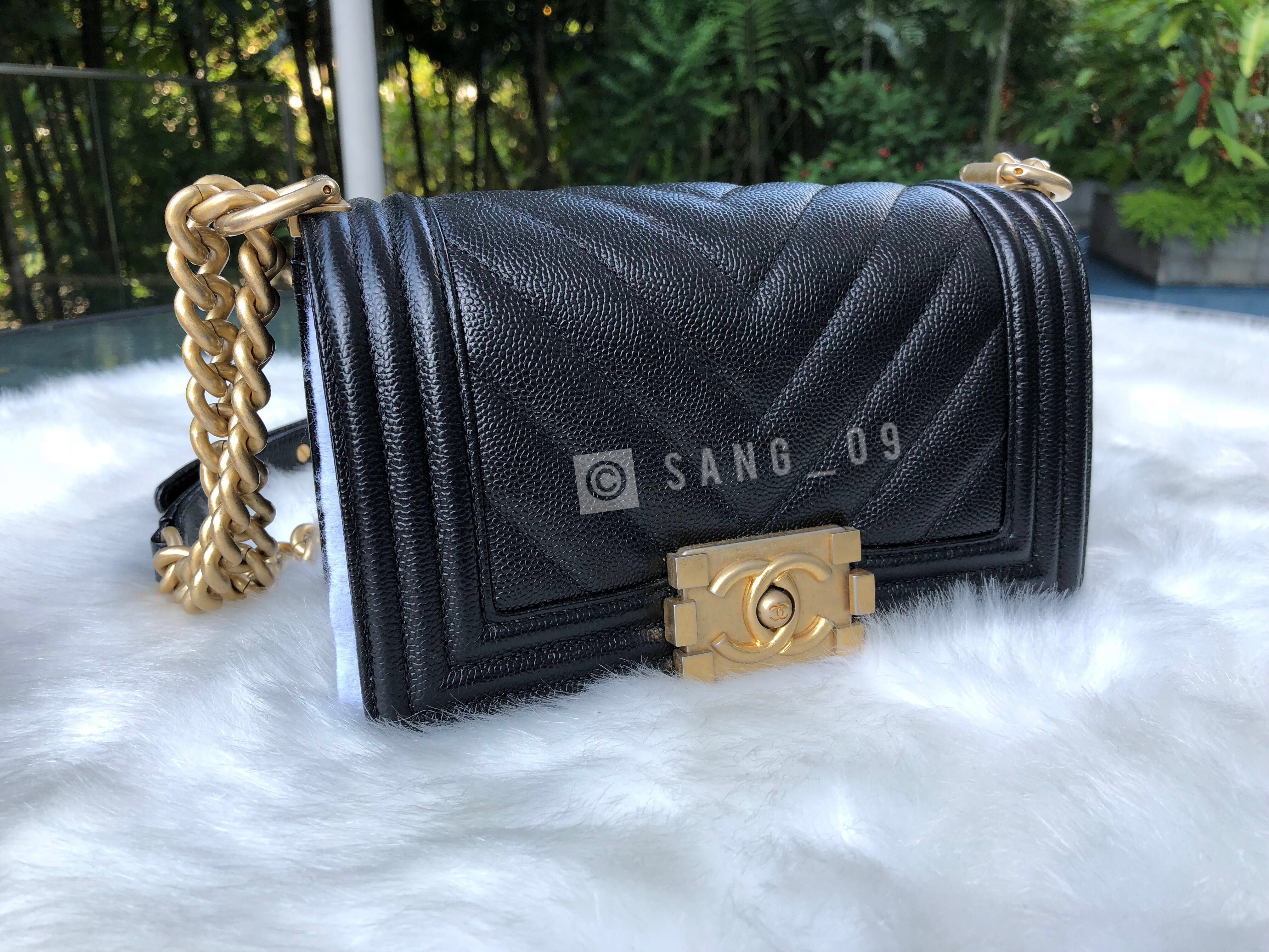 bb538cb499d8 AUTHENTIC Chanel Caviar Chevron Quilted Small Boy Flapy Black in Aged Gold  Hardware, Luxury, Bags & Wallets, Sling Bags on Carousell