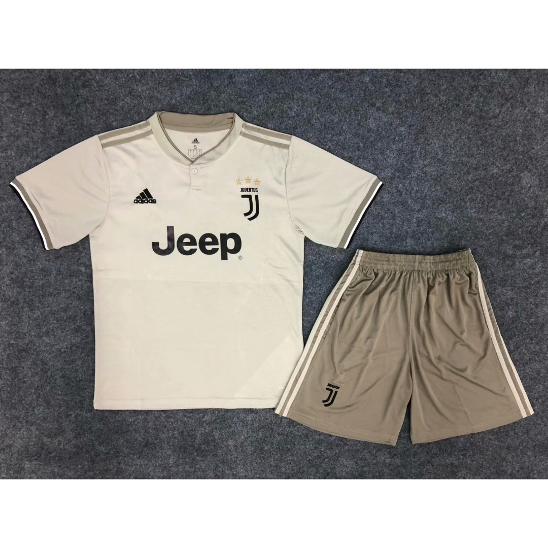 7985001bd BNWT Juventus Away 18 19 Football Jersey Shirt