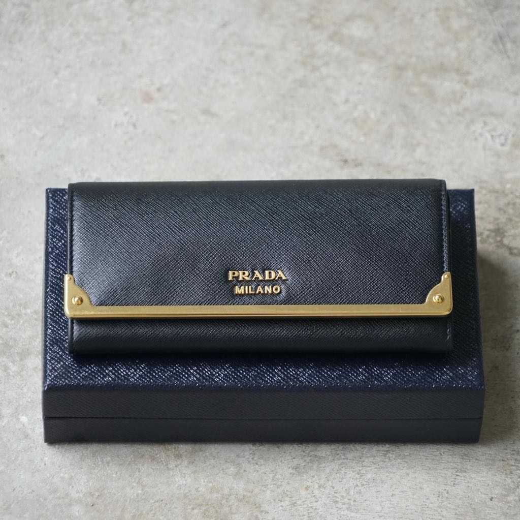 4517e9cdf224 🔥Fire Sale🔥Brand New Prada Saffiano Cahier Long Wallet Black ...