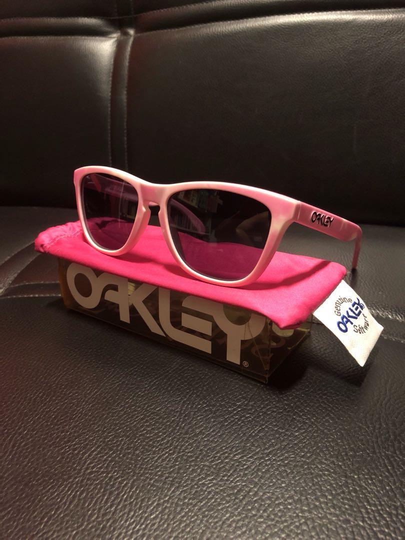 35e760395 Oakley Frogskins Wildberry Milk, Men's Fashion, Accessories, Eyewear ...