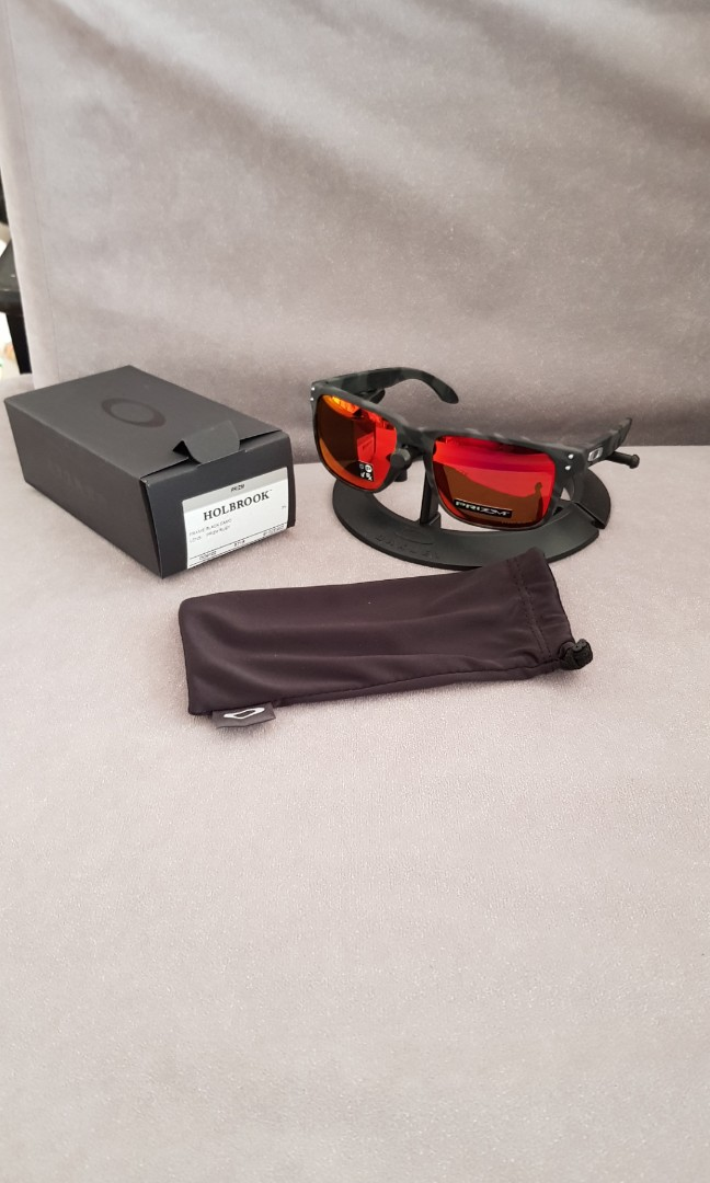 d5a58ea6781 Oakley Holbrook black camo frame prizm ruby lens oo9102-e955