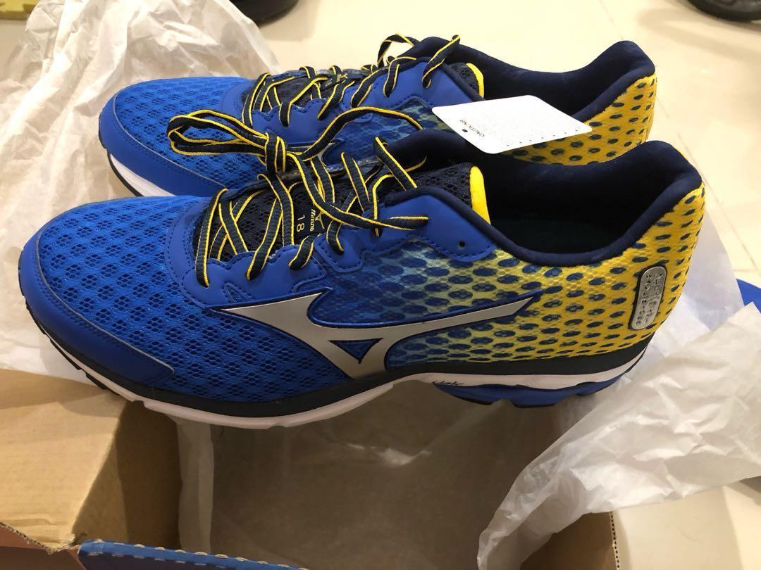 more photos 1a59d c5c5c Revised price - BNIB Mizuno wave rider 18 men's running ...