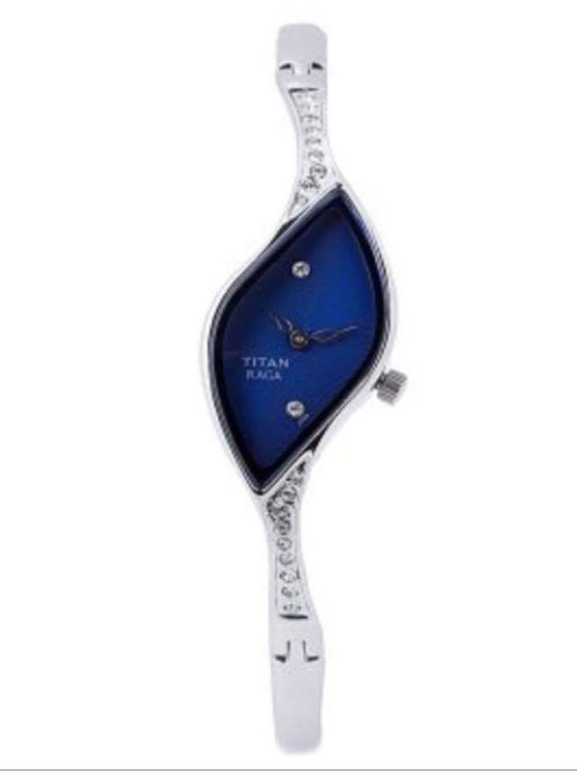 199ffab88 Titan blue dial ladies watch, Women's Fashion, Watches on Carousell