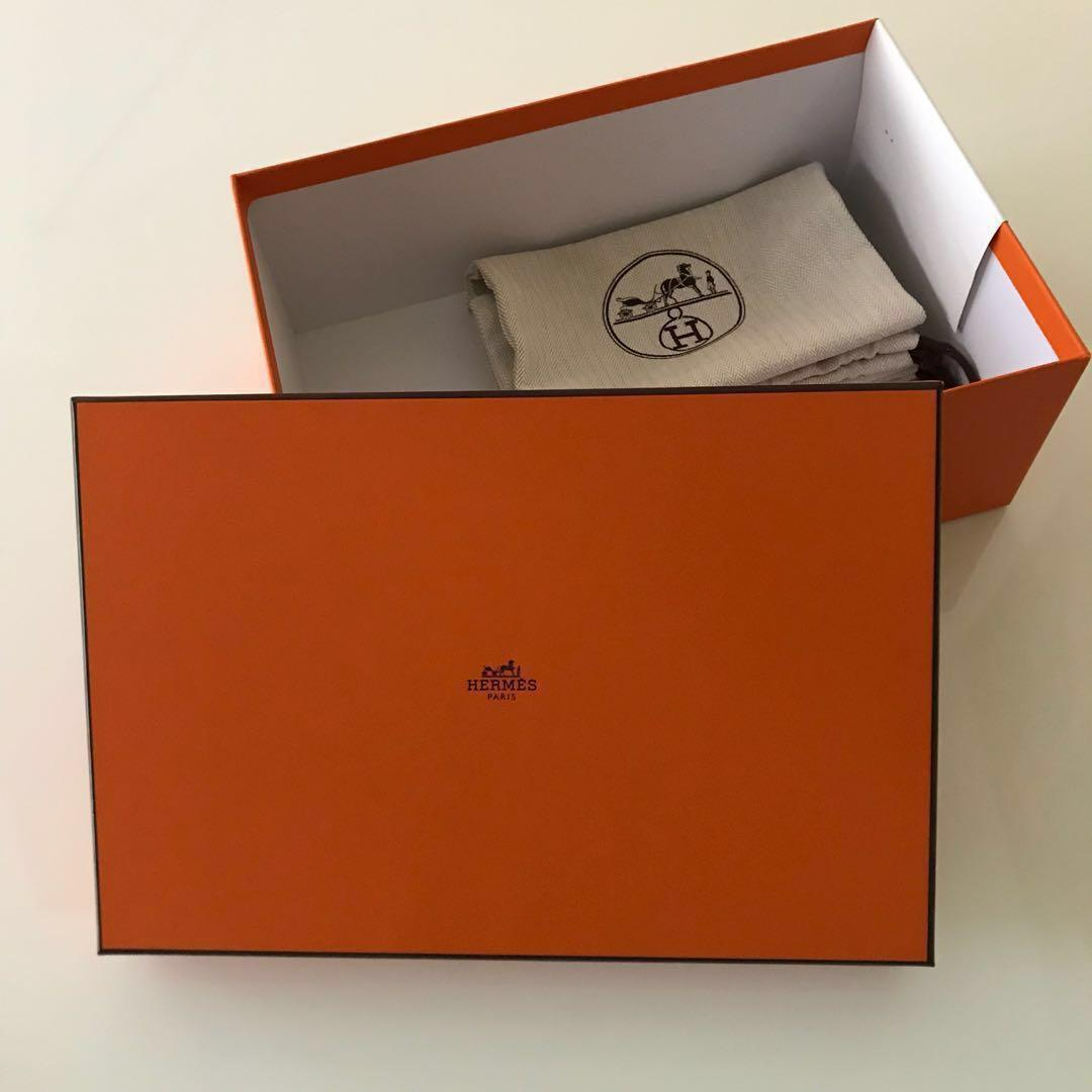3b3de16923a Type 4 Hermes Box + 2 Storage Dust Bags, Luxury, Shoes on Carousell