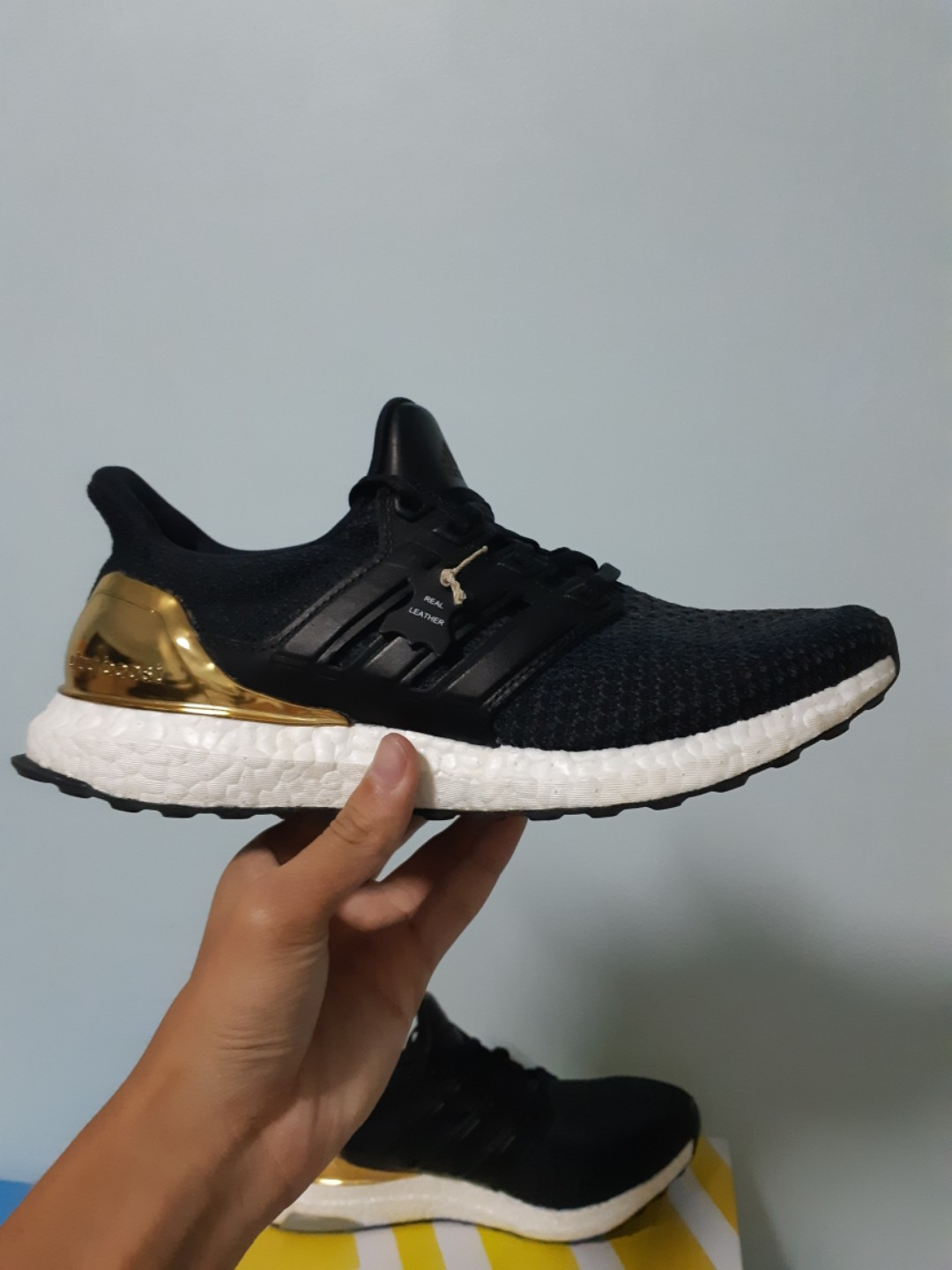 94a3addb6 Ultra Boost 2.0 Gold Medal