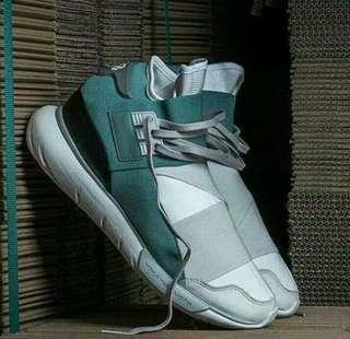 Sepatu kece y3