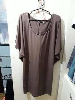 Brown maternity dress