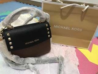 Michael Kors Sling bag 斜揹袋