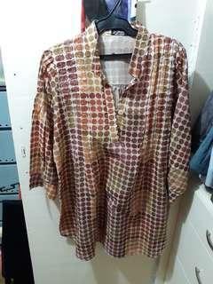 Polka dots maternity blouse