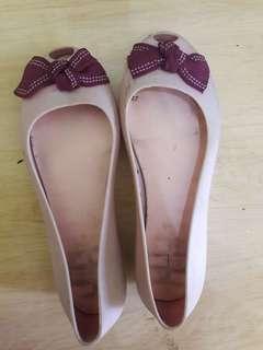 Preloved Sepatu Flat Jeĺly Bara Bara Size 37