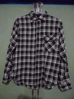 🚚 [二手衣服]格紋襯衫 長袖襯衫 黑白襯衫 男性L號 襯衫