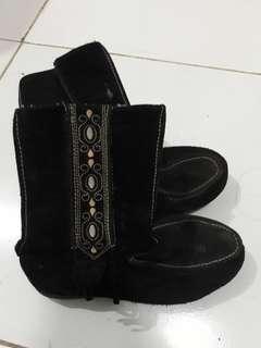 Boots bahan kulit suede asli