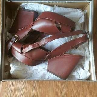 Sepatu Charles & Keith special Burgundy