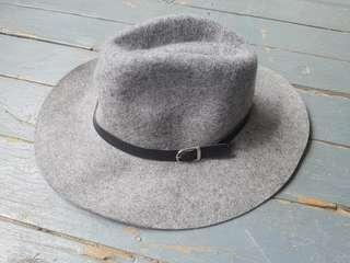 New Miss Shop wool felt hat