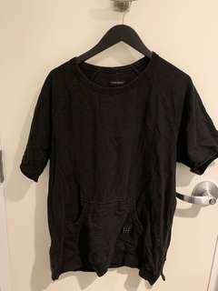 Stylish tee with side zipper, Size L