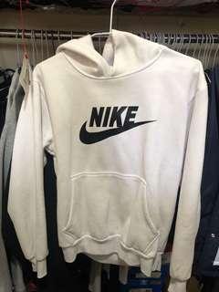 🚚 Nike翻玩帽T