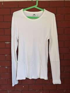 💕 ON SALE 💕 TOPMAN ROUND NECK  LONG SLEEVES (SMALL)