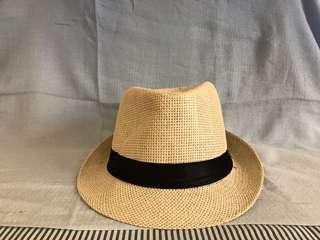 🚚 淺色紳士風藤帽