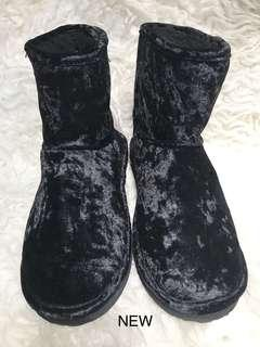 H&M Divided black Fur Boots 38