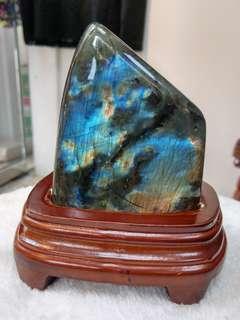拉長石充滿靈性能量的寶石級礦物 Labradorite