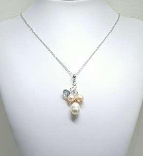 Dainty Pearls Pendant Necklace