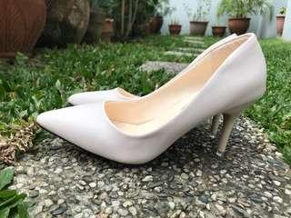 Korean style white pumps