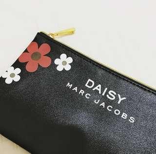 🚚 近全新 daisy marc jacobs 小物包 手機袋 化妝包 零錢包 收納袋