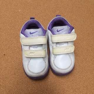 Nike Baby Shoes // Euro 22