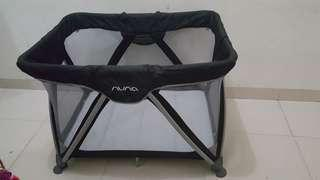 Nuna sena preloved like new minus travel bag