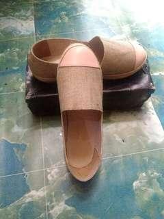 Sepatu biasa ajah