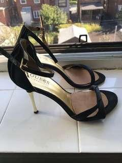 Guess stilettos 5M