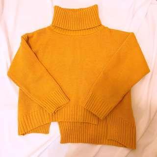 厚度很夠下擺不規則開衩高領毛衣
