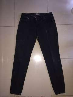 Nevada Jeans Hitam