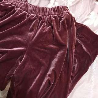 🚚 Uniqlo 絲絨 寬褲