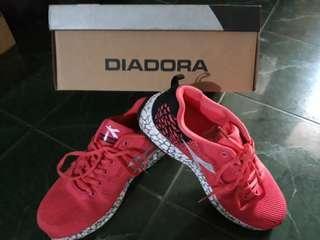 Running shoes DIADORA