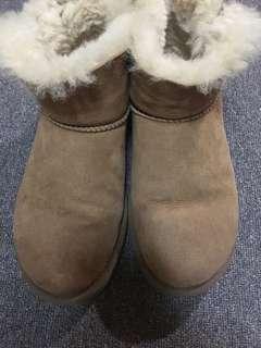 🚚 UGG駝色雪靴