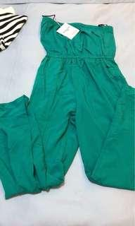 BNWT Jumpsuit with 2 packets