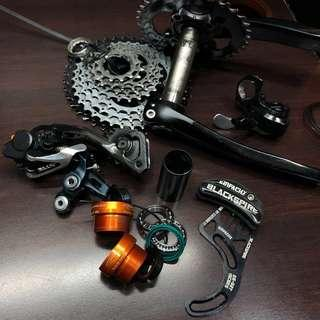 Complete SHIMANO XT GROUPSET WITH ABSOLUTE BLACK UPGRADES!