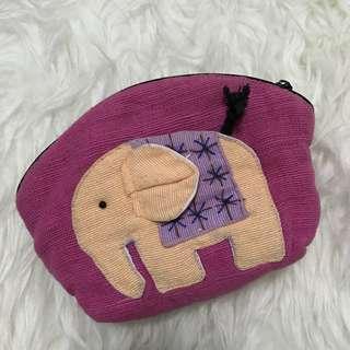 Pouch gajah