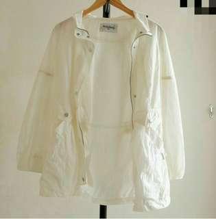 Jaket parka wanita broken white