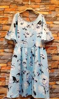 🚚 花卉上衣,洋裝