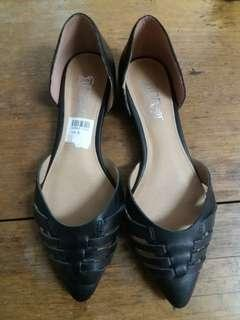 Preloved Payless Black flat shoes