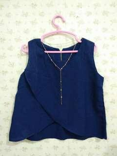 Atasan Crop Navy