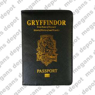 75ca0a81d6e Harry Potter Gryffindor Passport Holder