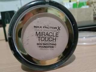 Foundation Max Factor X Miracle Touch