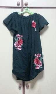 ❤ Black Top/Dress with Red Roses
