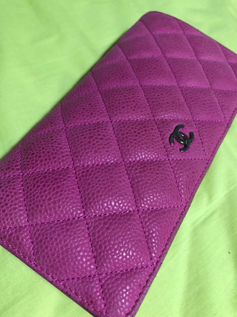 772a2b9c4523 Chanel Pink wallet Used, Luxury, Bags & Wallets, Wallets on Carousell